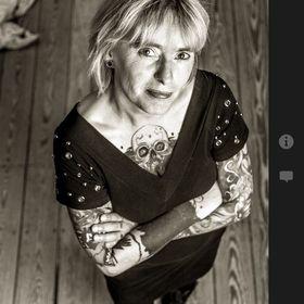Karin Dirks