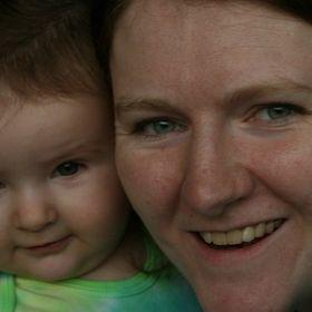 Sarah McKelvy {Wife, Mummy, Nurse}