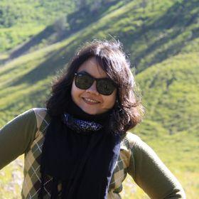 Evelyn Dhini