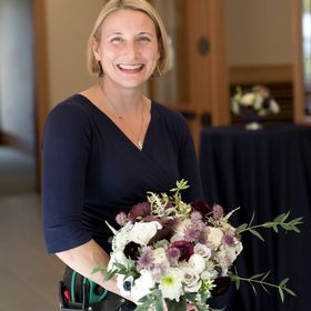 Alison Ellis | Floral Education & Wedding Inspiration