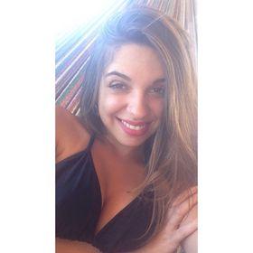 Caroline Azevedo