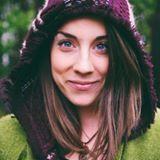 Chanti Zak || Copywriter + Funnel Strategist