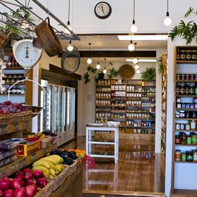 Green Onions Organic Grocer
