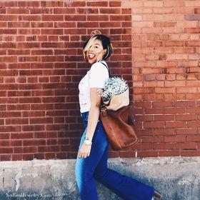 Jessica Lauren- Lifestyle Blogger [NoRealJewelry.Com] + Podcast Host [The Sunday Jumpstart Podcast]