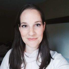 Terryn | Just A Simple Home - WAHM, Homeschool, Blogger, Mentor for Moms