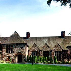 Stokesay Castle & The Knight's Pub