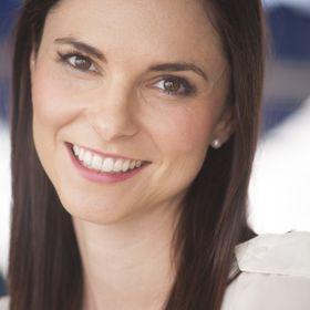 Lara Jourdan - Flawesome Mom
