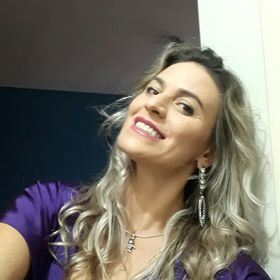 Debora Souza
