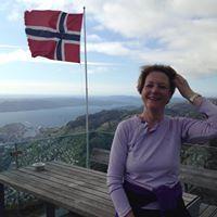 Kari Elisabeth Hole