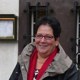 Angelika Neubert