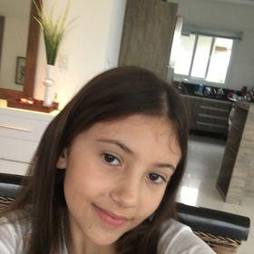 Adriana Mothes