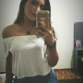 Carol Souza