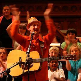Mister G: Bilingual Music for Kids