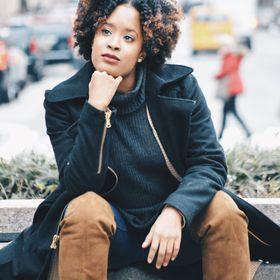 Shaina @ The Mindful Rise Blog| Lifestyle Blogger- Self Development, Finances, Career/ Entrepreneur
