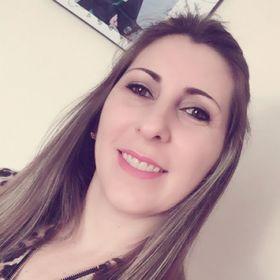 Paula Roberta Moraes
