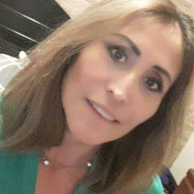 Anabella León