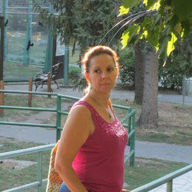 Angéla Baji