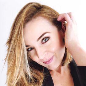 Anna Cordelia Makeup Artist