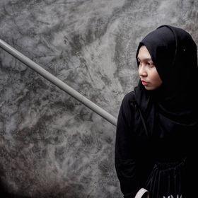 Ying Nasrin