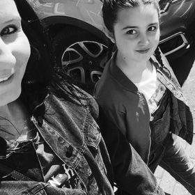 Emma & Lucie
