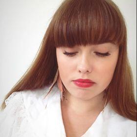 Molly Larsson