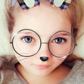 Karolina Chomova