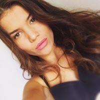 Mickeey Adriana