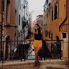 Roxana Daan