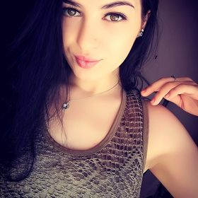 Laura Adriana