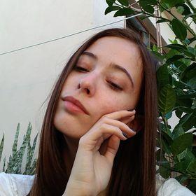 Isadora Martins