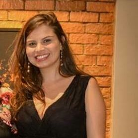Júlia Oliveira
