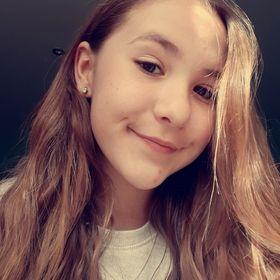 Julka Midova