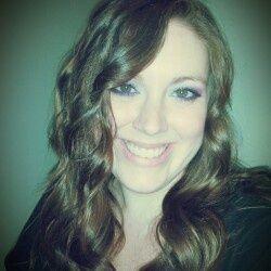 Laura Sirena | Blogger + Tarot Reader | Wildly Divine