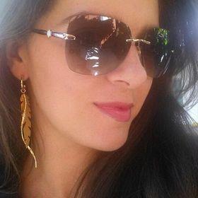 Rafaella Simoes