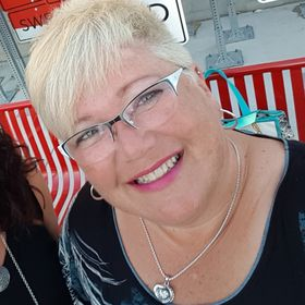 Pam Klassen - Independent Canadian Close To My Heart Consultant
