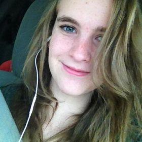 Lizzy Arich