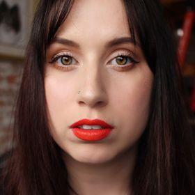 Alicia Latour \ Cruelty-Free Blogger