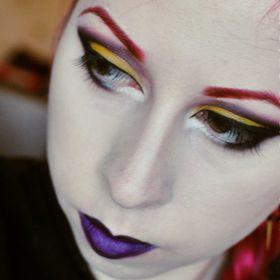 Ruth E Moulden Makeup Artist