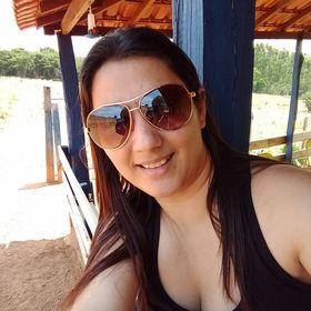Alessandra Naves Rodrigues