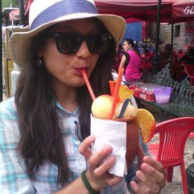 Paola Hernandez (paolopez1401) on Pinterest e15e15801