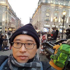 Suk-Hwan Lee