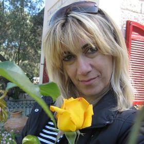 Anna Koukoulis