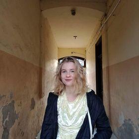 Ania Grzywaczewska