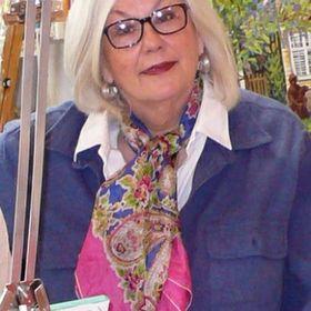Suzanne Etienne