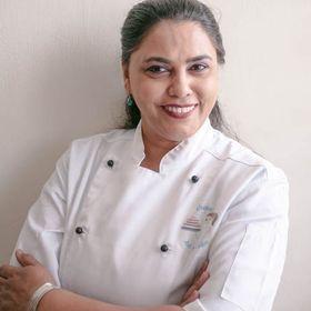 Veena Azmanov | Cake Artist & Food Blogger