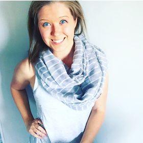 Kendra @ Adjusting to Adulthood Blog | Self Improvement in Your Twenties