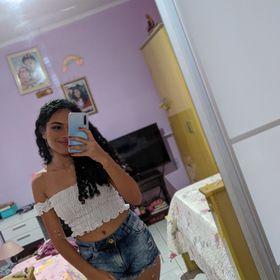 Lívia Oliveira