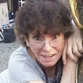 Liliana Thomas