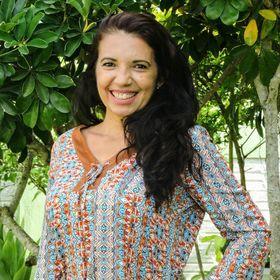Rosinéia Neves