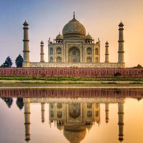 The Taj Wonder Tours